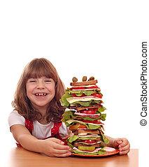 μικρός , σάντουιτs , ψηλός , τραπέζι , κορίτσι , ευτυχισμένος