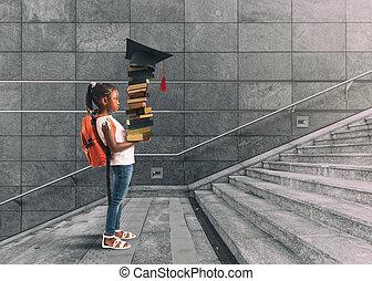 μικρός , undertakes, αυτήν , πορεία , σκεπτόμενος , μεγάλος σάκος σκουπιδιών , εκπαίδευση , αποφοίτηση , χέρι , αγία γραφή , για , κορίτσι , ώμοs