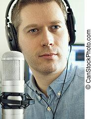 μικρόφωνο , άντραs , ραδιόφωνο , station., ωραία