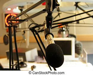 μικρόφωνο , ραδιόφωνο