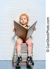 μικρό , αγόρι , βιβλίο