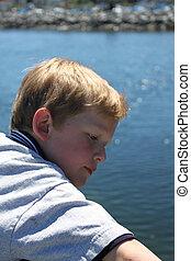 μικρό , αγόρι , οκεανόs