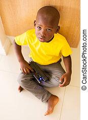 μικρό αγόρι , παίξιμο , με , άθυρμα βολή