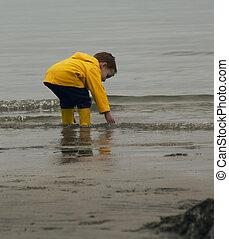 μικρό , αγόρι , παίξιμο , ocean.