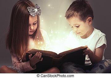 μικρό , ζευγάρι , βιβλίο , μαγεία , ανοιγμένα