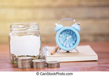 μολύβι , ρολόι , σημειωματάριο , φόντο. , ξύλο , κέρματα , τραπέζι , αδειάζω