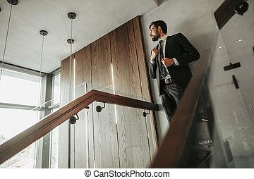 μοντέρνος , προσγείωση , αγγελιαφόρος , stairwell , άντραs , ανευρίσκω
