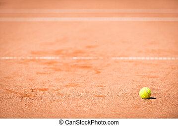 μπάλα , τένιs , τιμωρία σε μαθητές να γράφουν το ίδιο πολλές φορές , κίτρινο , άμμοs , πορτοκάλι , άσπρο