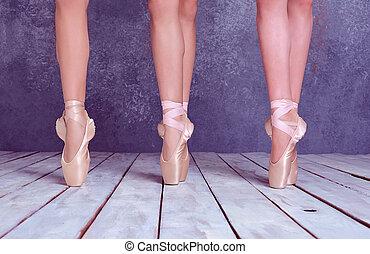 μπαλαρίνα , pointe , πόδια , νέος , παπούτσια