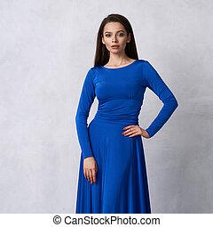 μπλε , βράδυ , νέα γυναίκα , μελαχροινή , φόρεμα