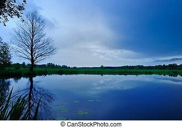 μπλε , βράδυ , ουρανόs , λίμνη , σκοτάδι , ατάραχα