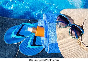 μπλε , κρέμα , άχυρο , πετσέτα , sunscreen , sunglas , καπέλο , παντόφλες