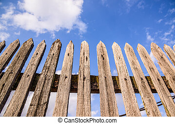 μπλε , ξύλινος , γριά , φράκτηs , ουρανόs
