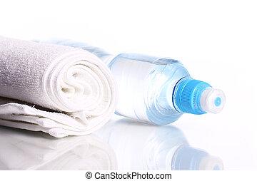 μπουκάλι , από , γλυκό νερό , και , πετσέτα