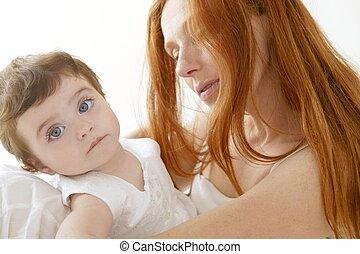 μωρό , και , μαμά , ερωτευμένα , αγκαλιάζω , άσπρο
