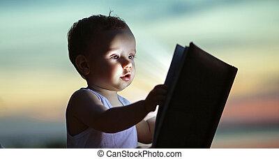μωρό , πορτραίτο , μικρός , βιβλίο , κράτημα