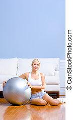 νέα γυναίκα , με , αναστατώνω μπάλα