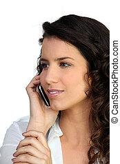 νέα γυναίκα , χρησιμοποιώνταs , ένα , cellphone