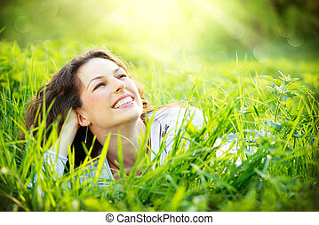 νέα γυναίκα , outdoors., απολαμβάνω , φύση