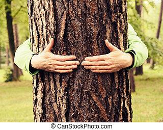 νέοs άντραs , αγκαλιές , ένα , δέντρο