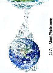 νερό , γη , αλίσκομαι