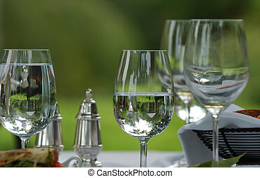 νερό , γυαλιά