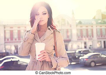 νωρίs , coffee.