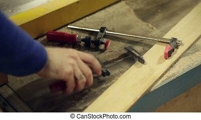 ξυλουργόs , εργαλεία , χέρι