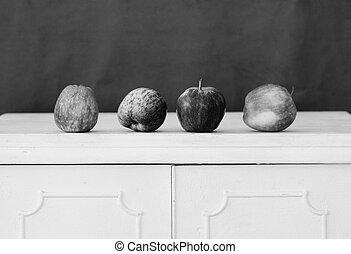 ξύλινος , άβγαλτος μήλο , τραπέζι