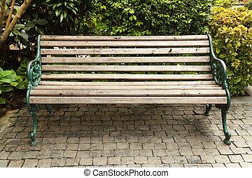 ξύλινος , παγκάκι του πάρκου