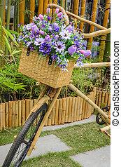 ξύλινος , ποδήλατο , με , λουλούδια