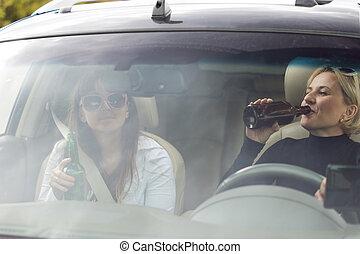 οδήγηση , αυτοκίνητο , δυο , χρόνος , πόσιμο , γυναίκεs