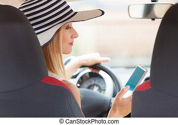 οδήγηση , χρόνος , χρησιμοποιώνταs , αυτήν , άμαξα αυτοκίνητο τηλέφωνο , γυναίκα