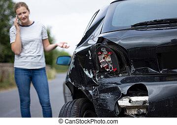 οδηγός , τηλέφωνο , επάγγελμα , ασφάλεια , ατυχής , εταιρεία , κινητός , αυτοκίνητο , σκάρτος , ατύχημα , μετά , γυναίκα
