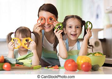 οικογένεια , αυτήν , - , παιδιά , μαμά , αστείο , έχει , κουζίνα