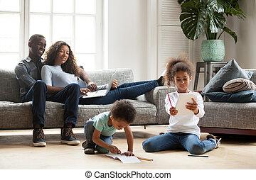 οικογένεια , αφιερώνω , μαζί , μαύρο , αβίαστος εποχή , ευτυχισμένος