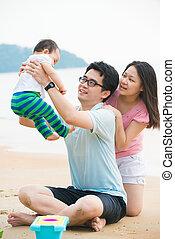 οικογένεια , ποιότητα , ευφυολόγημα , ασιάτης , ώρα , απολαμβάνω , παραλία , πατέραs
