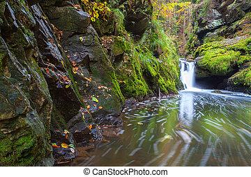 ορεινή περιοχή , doubravka, τσέχος , φθινόπωρο , καταρράχτης , republic., κοιλάδα