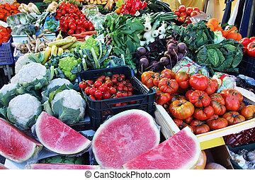 πάγκοs με φρούτα