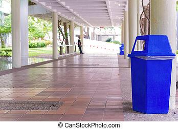 πάρκο , βόλτα , δίπλα σε , cans , δρόμος , σκουπίδια