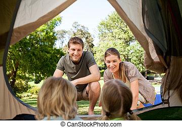 πάρκο , κατασκήνωση , οικογένεια , ευτυχισμένος