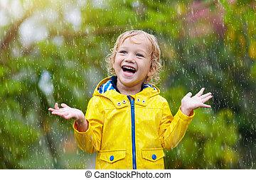 παίζω , παιδί , rain., βροχερός , day., φθινόπωρο , μικρόκοσμος