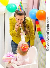 παιδί , γιορτάζω , 1 γενέθλια , με , μητέρα