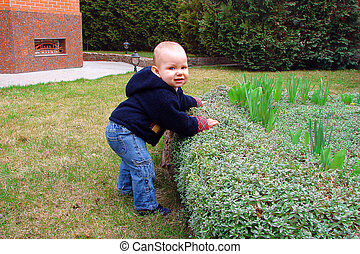 παιδί , παίξιμο , κήπος