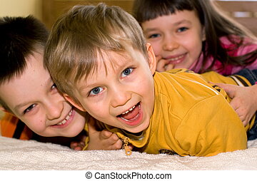 παιδιά , ευτυχισμένος