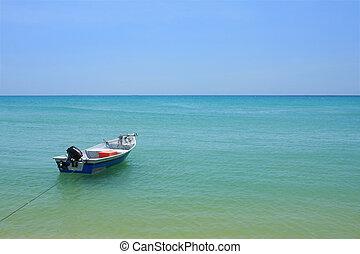 παραλία , βάρκα