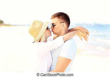 παραλία , ζευγάρι , νέος , ασπασμός