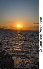 παραλία , κάθετος , camelot, φημισμένος , φόντο. , ηλιοβασίλεμα , πανόραμα , cyprus., seascape., όμορφος , sundown.