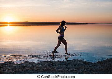 παραλία , τρέξιμο , γυναίκα , ηλιοβασίλεμα