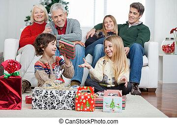 παρόν έγγραφο , σπίτι , xριστούγεννα , οικογένεια